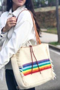 bolso hippie arco iris flecos