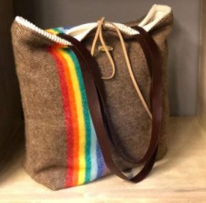 bolso hippie marron arcoiris